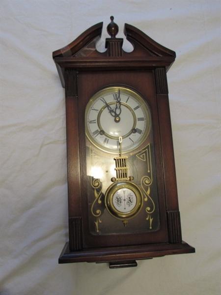 Lot Detail Delta 31 Day Pendulum Wall Clock