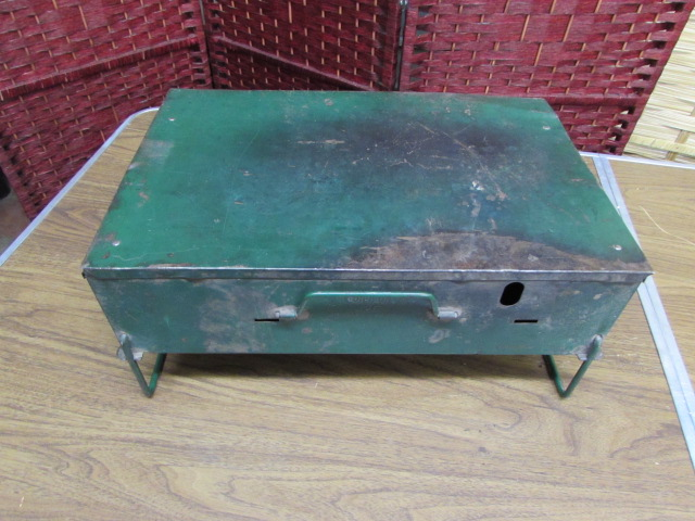 Lot Detail - VINTAGE FOLDING TABLE, COLEMAN CAMP STOVE AND ROASTING PAN