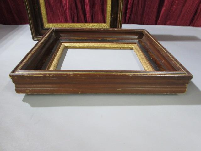 Lot Detail - GOLD METAL TABLE LAMP & 2-VINTAGE WOOD FRAMES
