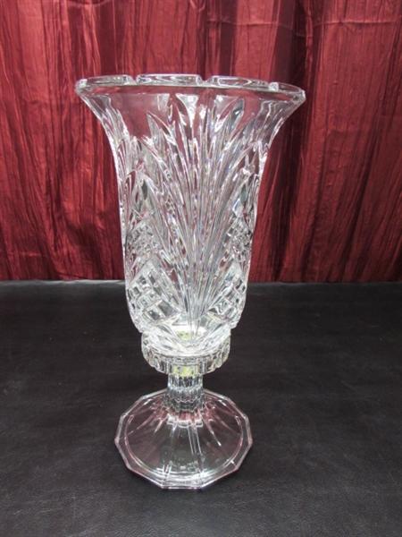 Lot Detail Beautiful Glass Vases