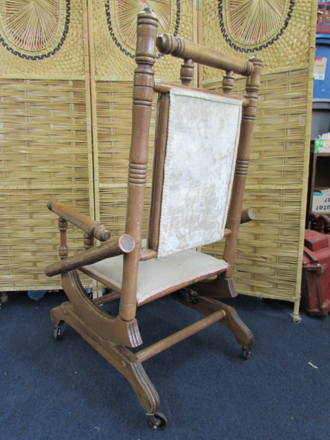 ... VINTAGE/ANTIQUE NEEDLEPOINT SPINDLE ROCKING CHAIR ...
