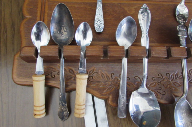Hand Carved Fork Spoon Souvenir Spoon Holder With Spoons Resin Apple Tray