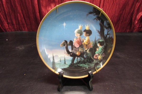 HOLIDAY CLOCK, COLLECTOR PLATE AND MORE