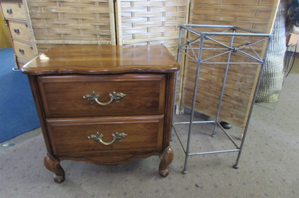 2 DRAWER NIGHT STAND & METAL STAND