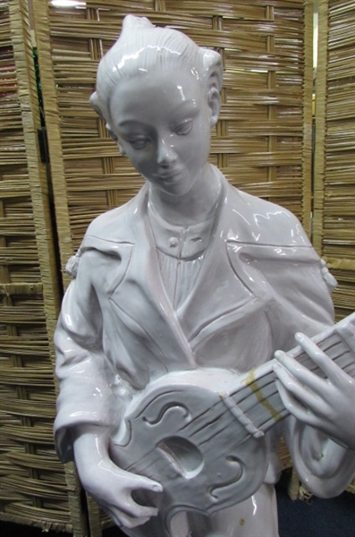 ITALIAN MOTTAHEDEH DESIGN STATUE - MAN WITH GUITAR
