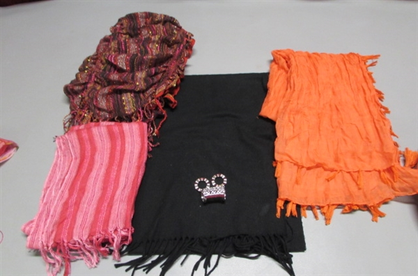 WOMEN'S ACCESSORIES - SCARVES, HATS & GLOVES