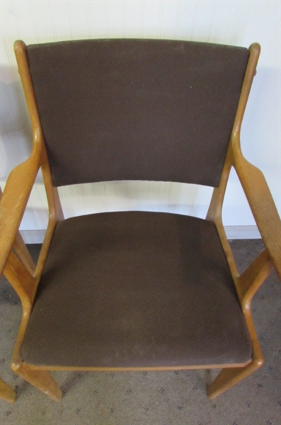 PAIR OF MODERN SCANDINAVIAN TEAK DINING ROOM CAPTAINS CHAIRS