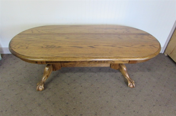 BEAUTIFUL OAK CLAW-FOOT COFFEE TABLE