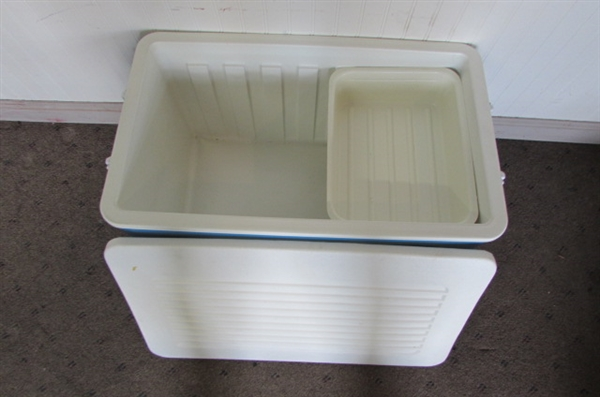 ICE CHEST, LUNCH BOXES & DRINK HOLDERS