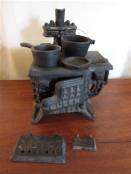 MINIATURE 'QUEEN' CAST IRON STOVES, POT BELLY STOVES & MORE