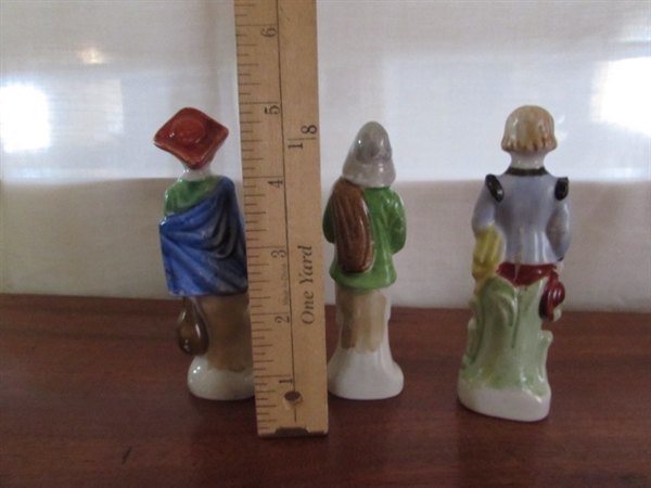 OCCUPIED JAPAN FIGURINES & BOOK