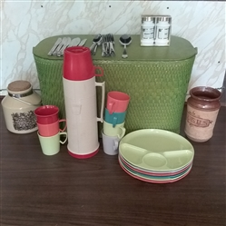 VINTAGE PICNIC BASKET FOR 6 AND KITCHEN ITEMS