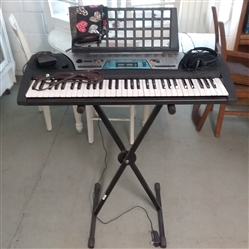YAMAHA PSR-170 KEYBOARD  WITH EXTRAS