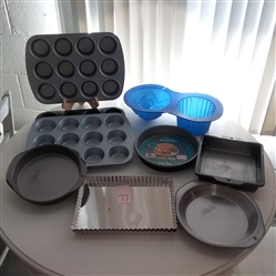 CAKE PANS, MUFFIN PANS, TART PANS AND SILICON GIANT CUPCAKE PAN