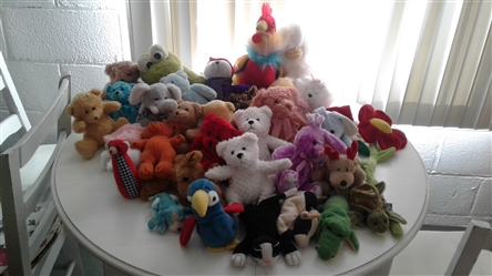 HUGE LOT OF STUFFED ANIMALS
