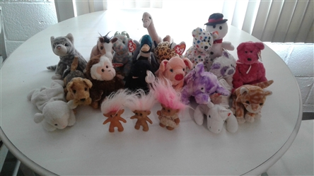 LOT OF TY BEANIE BABIES AND TROLLS
