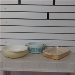 3 PYREX BOWLS AND BAKING PAN