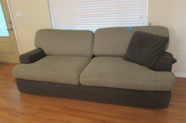 MODERN STYLE SOFA W/ACCENT PILLOW