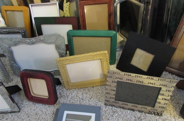 LARGE COLLECTION OF VERY NICE PICTURE FRAMES