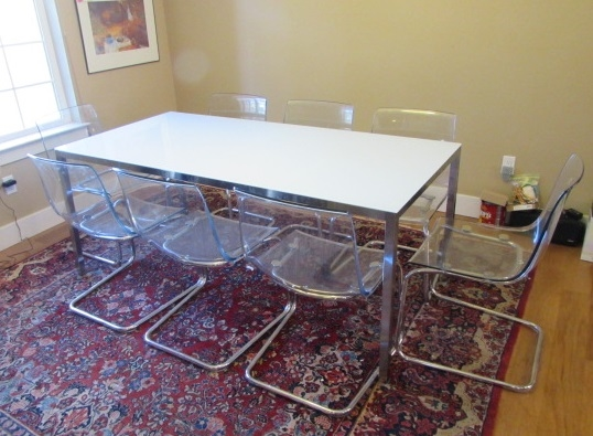 MODERN IKEA DINING ROOM TABLE AND 8 CHAIRS