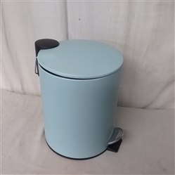 MINI TRASH CAN WITH REMOVABLE PLASTIC LINER AND FOOT PEDAL