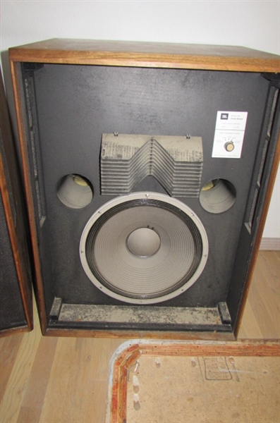 PAIR OF VINTAGE JBL STUDIO MASTER SPEAKERS