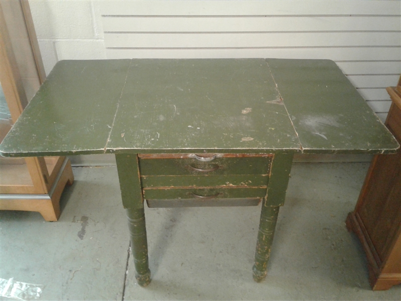 Vintage Possum Belly Bakers Table
