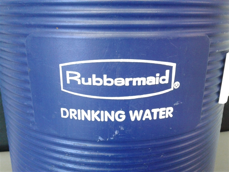 Rubbermaid 5 Gallon Water Cooler w/Spigot