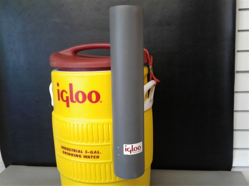 Igloo 5 Gallon Water Cooler w/Spigot & Cup Dispenser