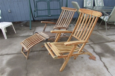 FOLDING WOODEN LOUNGE CHAIRS
