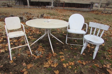 PATIO TABLE/METAL CHAIRS